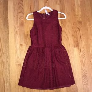 Alya burgundy dress